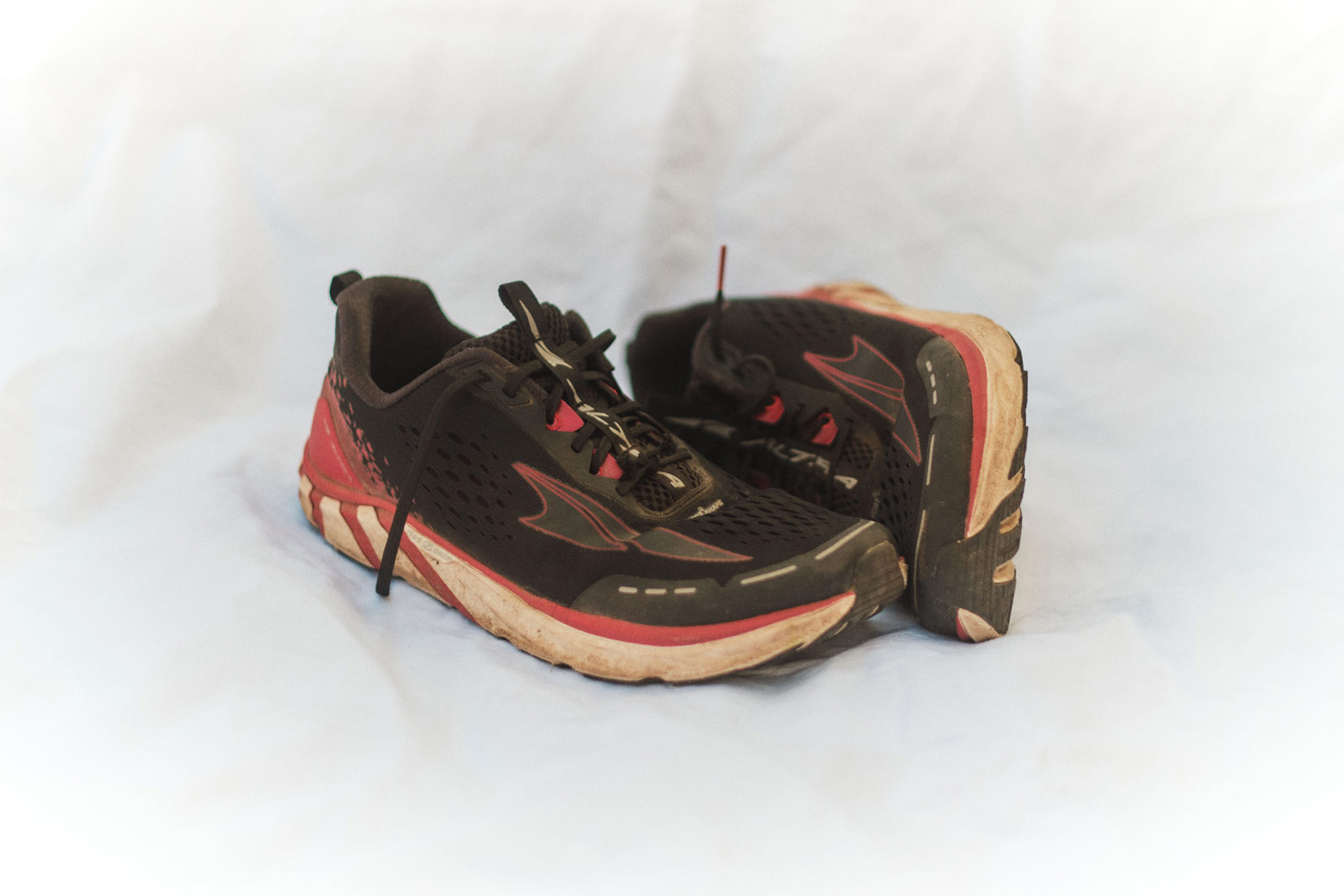 GOLDEN-TII-RUNNING-SHOE-047