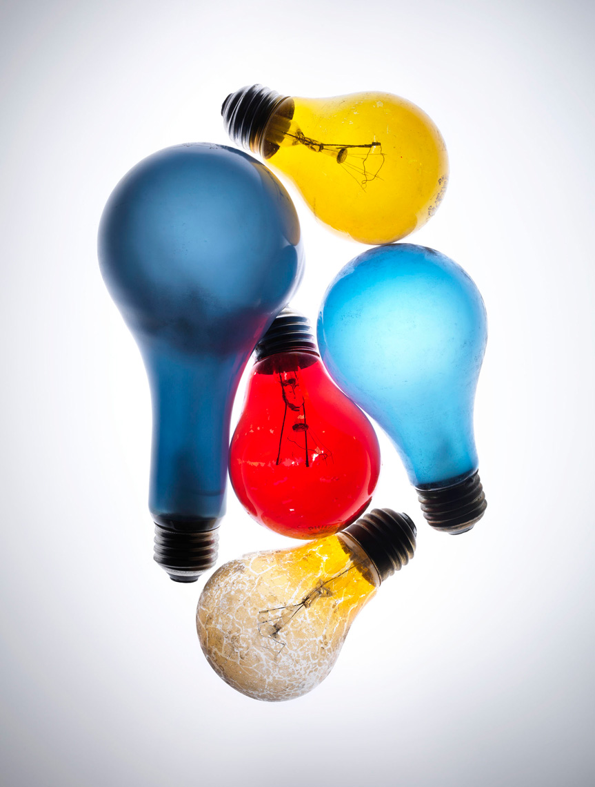 bulbs-light-colorful-red-yellow-blue-stilllife